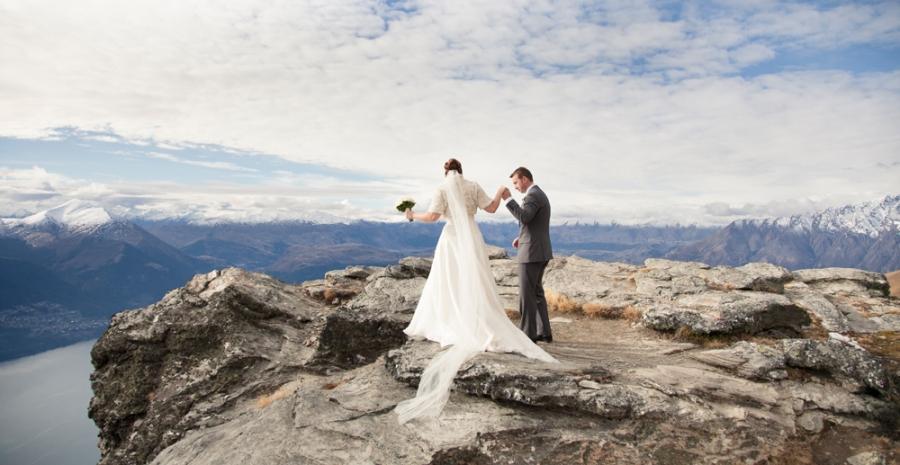 Sam & Matt's Queenstown Elopement | Queenstown wedding photographers |